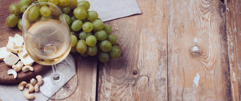 Wine Cheese Nuts © Loonara | Dreamstime 32938009