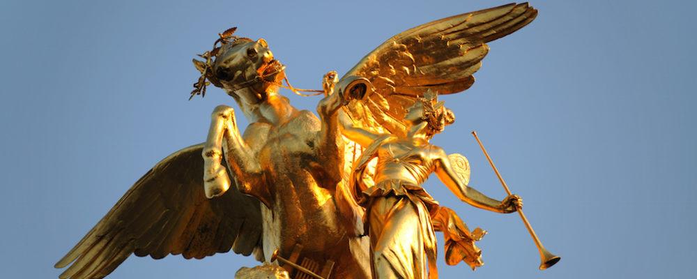 Greek Statue © Andreart | Dreamstime.com