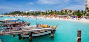 Palm Beach, Aruba © Jo Ann Snover | Dreamstime.com