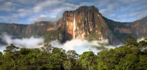 Angel Falls © Alicenerr | Dreamstime