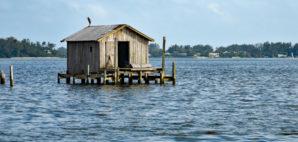 Fishing House © Mark Winfrey | Dreamstime