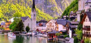 Hallstat, Austria © Natureactiv | Dreamstime