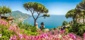 Campania, Italy © minnystock | Dreamstime