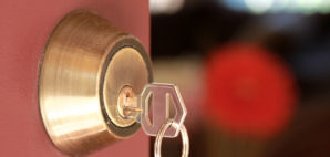 Lock and Key © Outline205 | Dreamstime