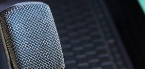 mic © OnAir2   Dreamstime