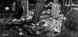 graveyard © Doris Tamai | Dreamstime