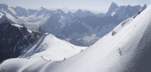 Mont Blanc © Elenaphotos | Dreamstime.com
