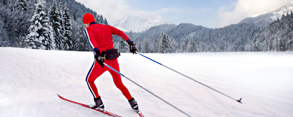 Skiing © Val_th | Dreamstime.com
