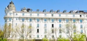 Hotel Ritz, Madrid © Lucian Milasan | Dreamstime.com