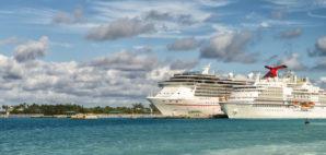 cruise © Roman Stetsyk | Dreamstime.com