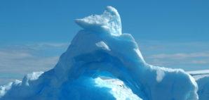 Iceberg © Raldi Somers | Dreamstime.com